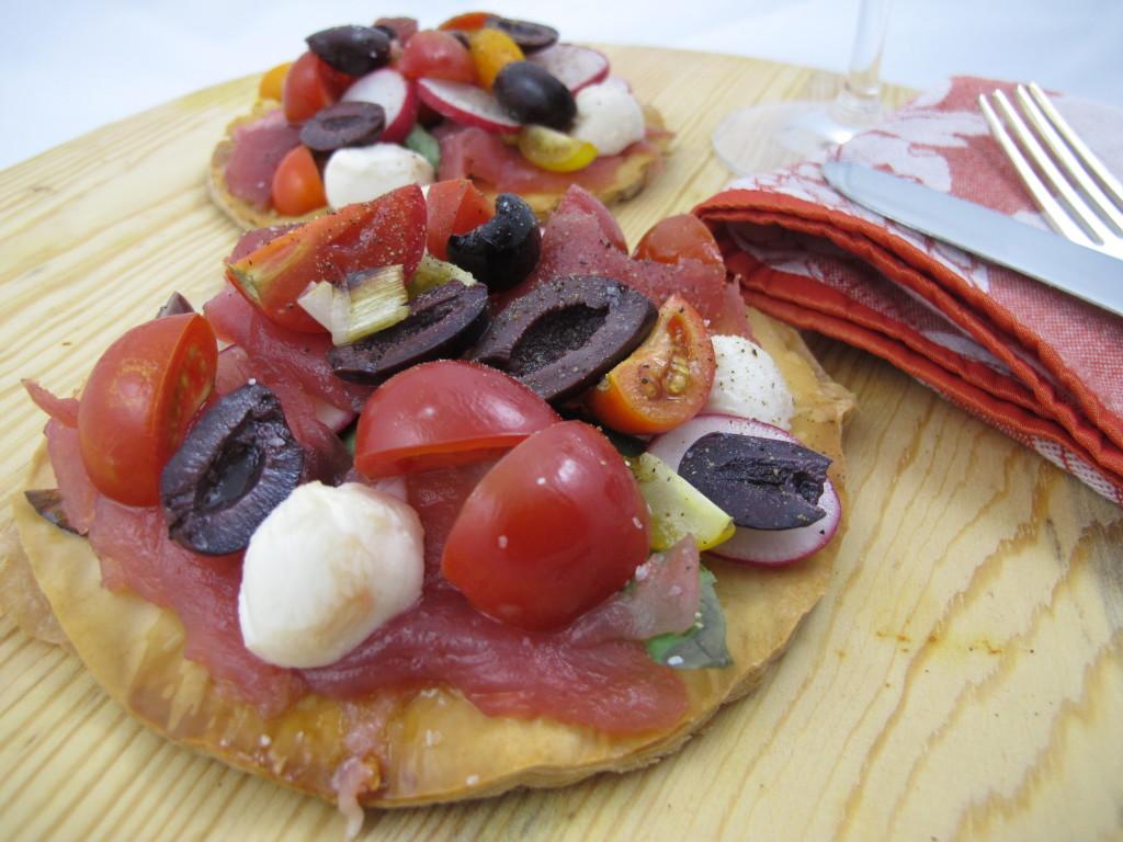 Ahi Basil Tomato Mozzarella pizza 003