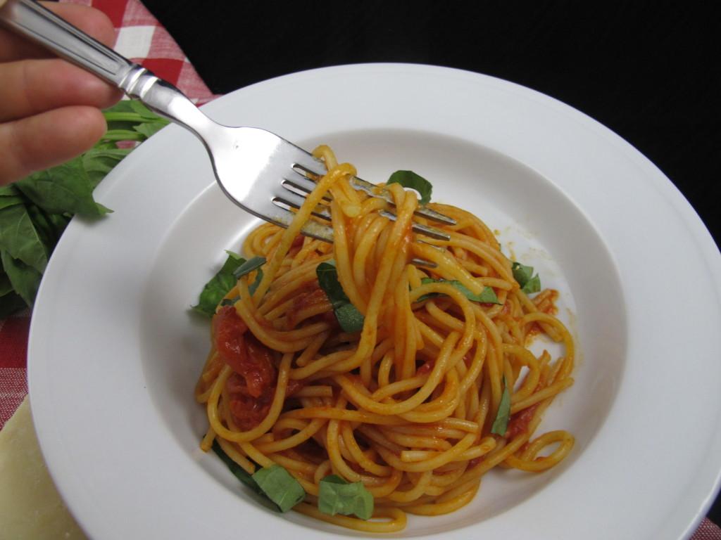 Almond Tarte - Tomato Sauce - Cheese Souffle 062