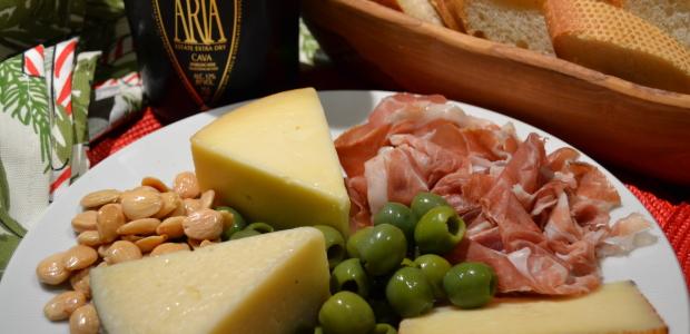 Wine Pairing Weekend:   Segura Viudas Aria Cava with Oysters and Spanish Tapas