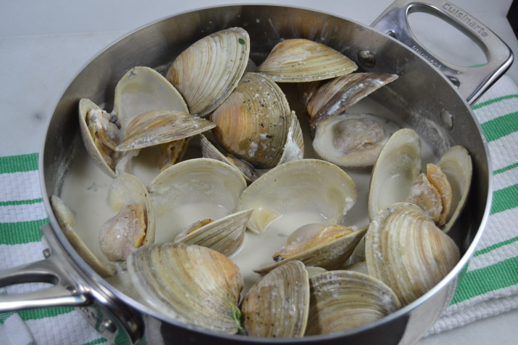 Clams in Cream & Thyme